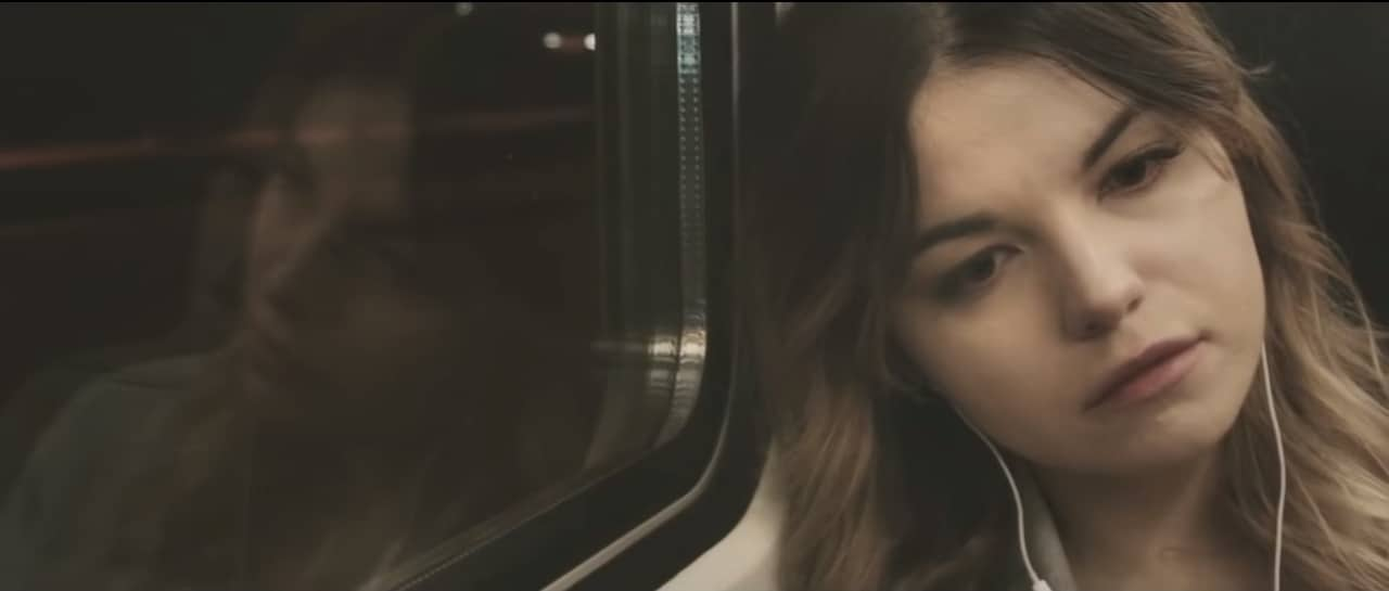 Pede ajuda, ou se suicida: um vídeo sobre depressão