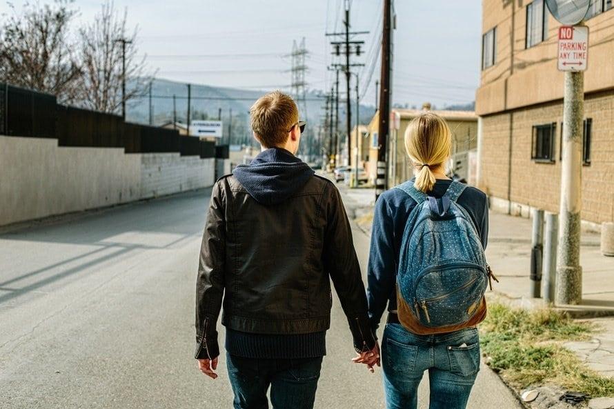 Como manter um namoro à distância?