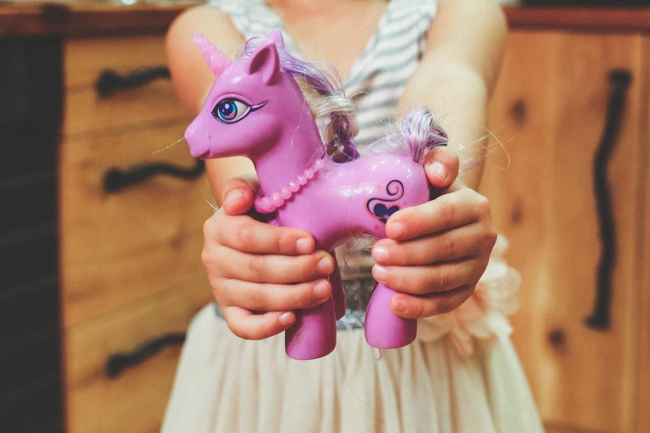 Brincar estimula o desenvolvimento das crianças