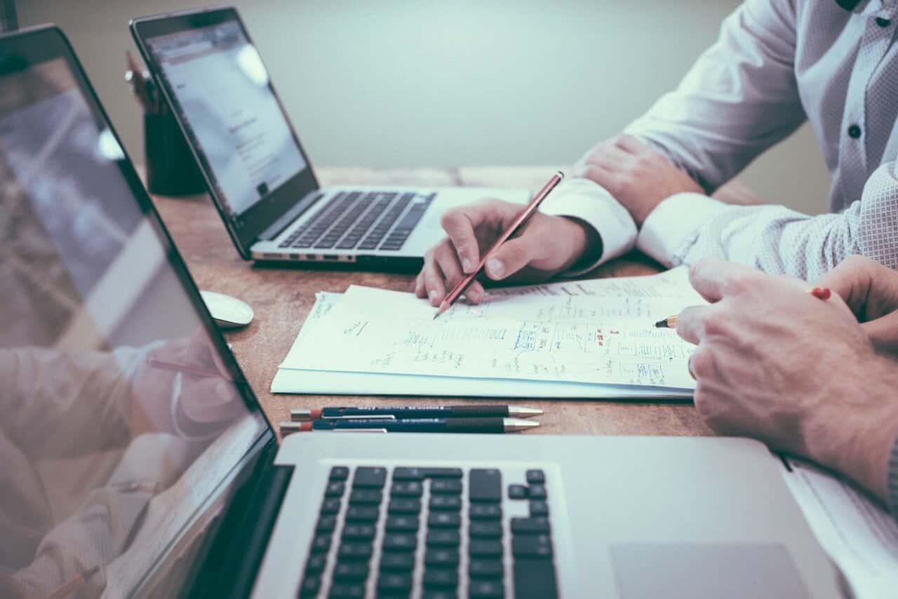 Por que empresas devem investir na saúde mental dos funcionários