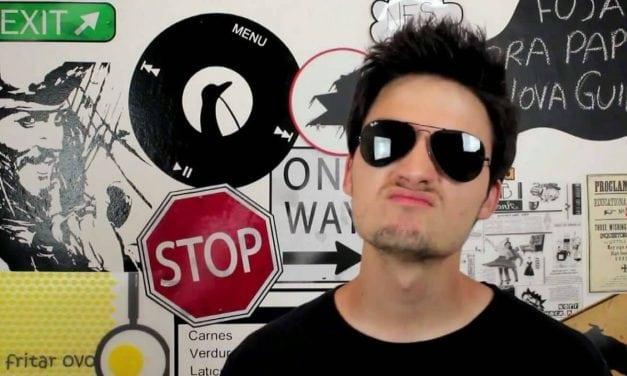 Youtuber admite ter depressão e fala sobre o jogo Baleia Azul
