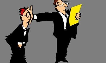 Amo o que faço, mas meu chefe é autoritário. Saiba o que fazer