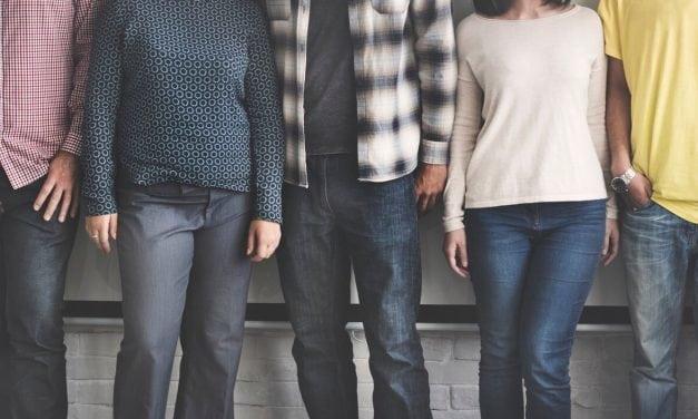 Como lidar com seu filho adolescente sem afastá-lo de você (13 dicas)