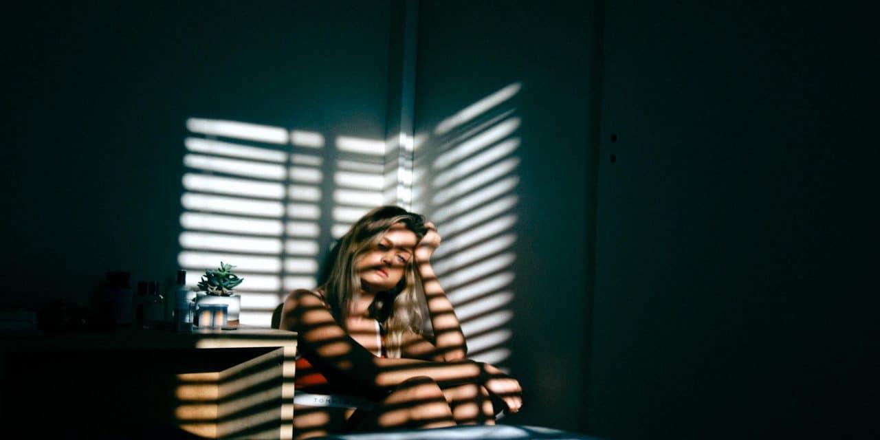 """Já ouviu falar de depressão pós-parto? Entenda como 15% das mães sofrem desta doença<span class=""""wtr-time-wrap block after-title"""">Tempo de leitura: <span class=""""wtr-time-number"""">7</span> minutos</span>"""