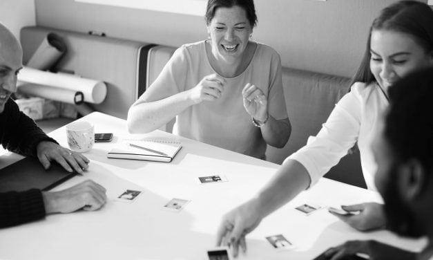 Ter felicidade no trabalho é possível? Veja as dicas dos nossos especialistas