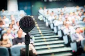 Medo de falar em público: como superar e vencer esse desafio