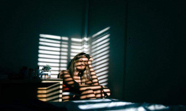 Tristeza: o que é, o que fazer para superar e como não deixar virar uma depressão